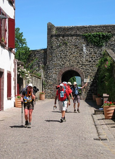 Chemins st jacques de compostelle b arn pyr n es pays basque - Saint jean pied de port saint jacques de compostelle ...